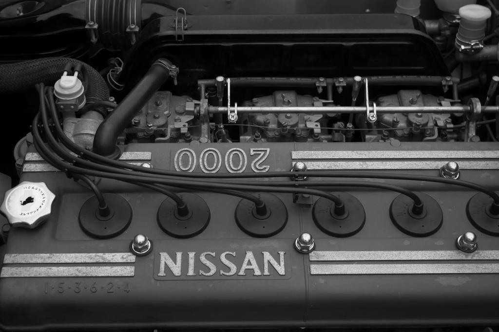 GTRエンジン(モノクロ)